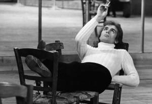 Rudolf-Nureyev-in-_Le-jeune-homme-et-la-mort_-by-Jurgen-Vollmer2