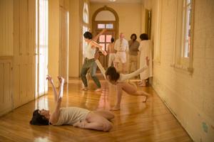 San Francisco Dance Film, Une courte histoire de la folie (A short History of Madness, Director: Isabelle Hayeur, Choreographer: Virginie Brunelle