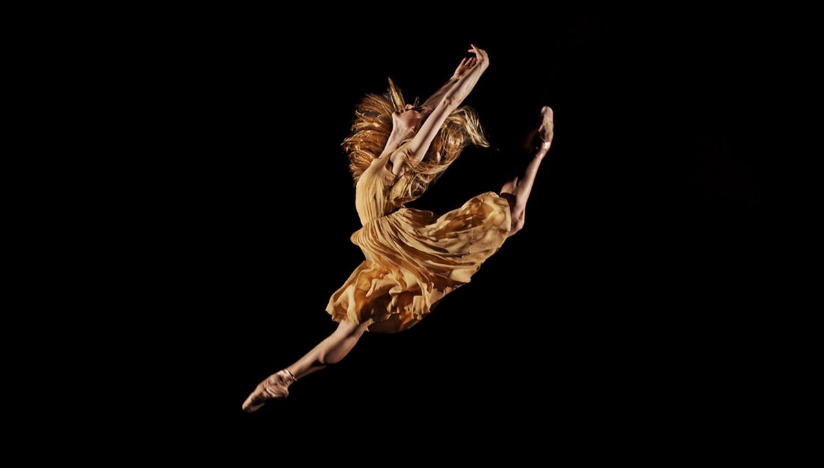 Passage - Carla Körbes, Portrait of a Ballerina (c) Patrick Fraser